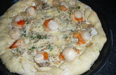 Pizza aux champignons et noix de Saint Jacques