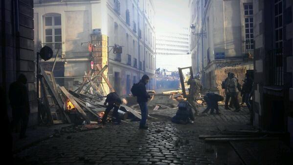Manifestations violentes d'opposants à la création de l'aéroport de Notre-Dame-des-Landes à Nantes