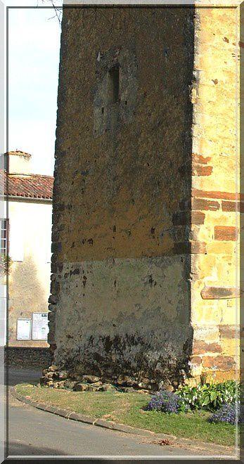 Diaporama tour fortifiée de Saint-Loubouer