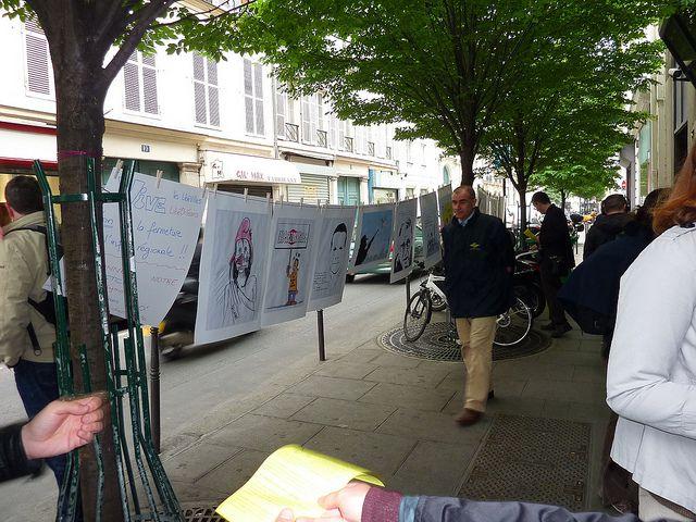 dessins de presse en soutien à Libéorléans, et photos lors des différentes actions menées par le Comité de Défense de LibéOrléans.