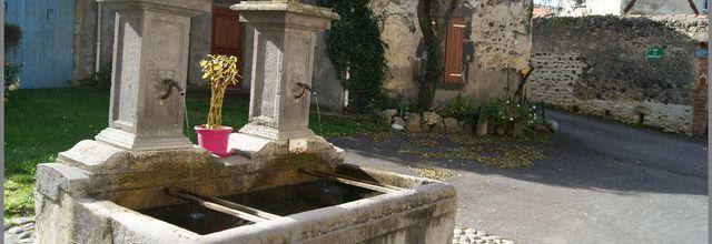 Monument et Fontaines à Collanges