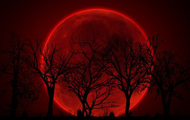 INFLUENCE DE LA LUNE ROUGE