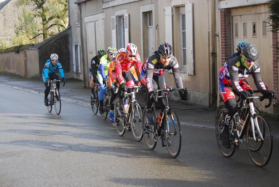 Classements et photos des courses UFOLEP d'Orgères en Beauce (28)