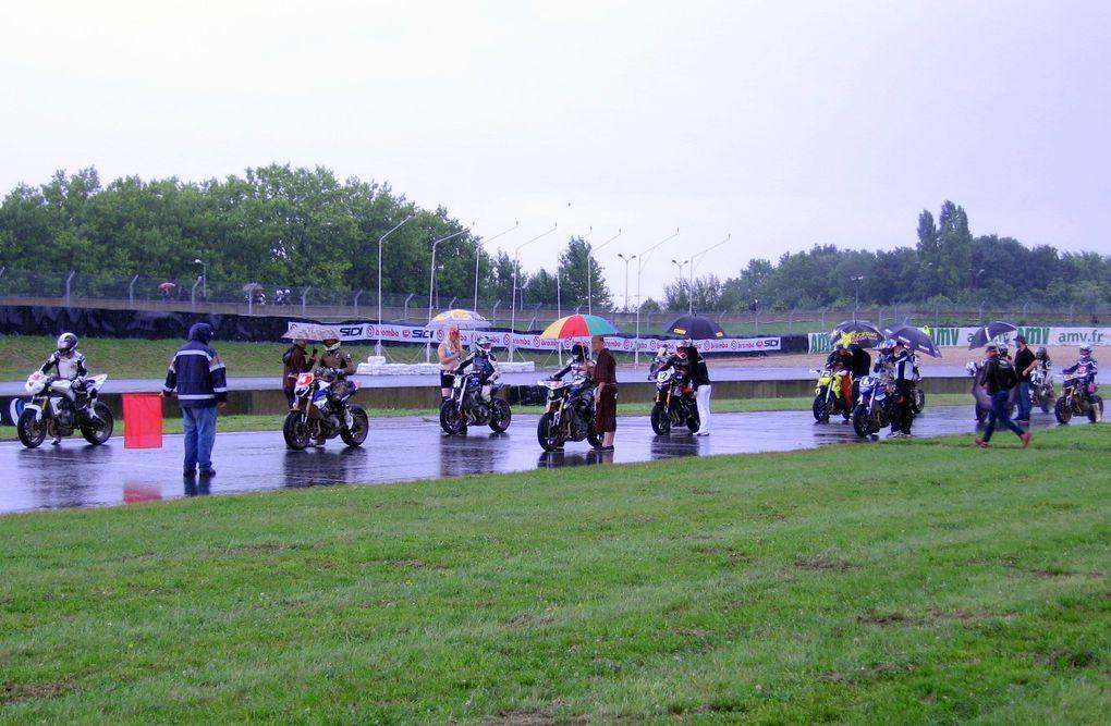 Fete-nationale-de-la-Moto-Carole 1ere course de roadsters au monde sur piste mixte 12/13 juillet 2014