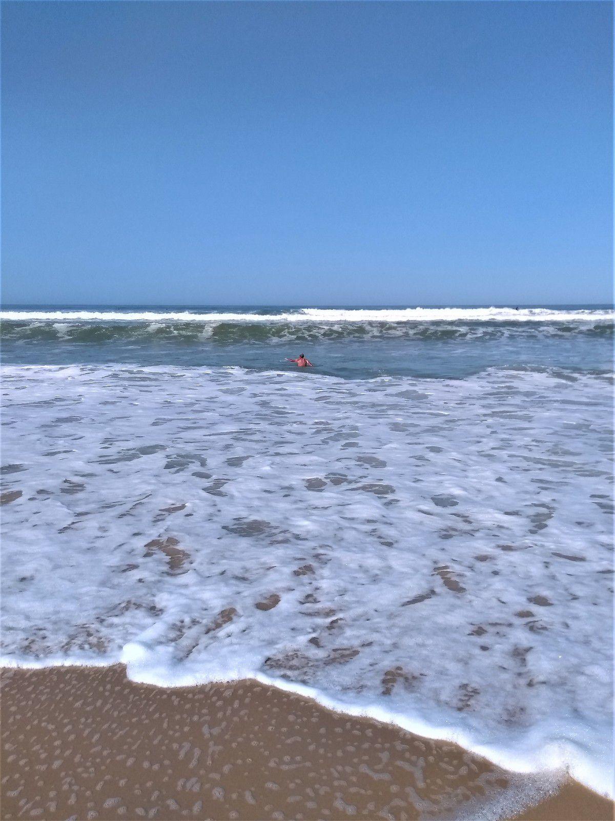 A Lacanau, les vagues sont balaises