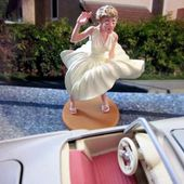 FORD THUNDERBIRD CABRIOLET MARILYN MONROE 1/36 CORGI. - car-collector.net: collection voitures miniatures