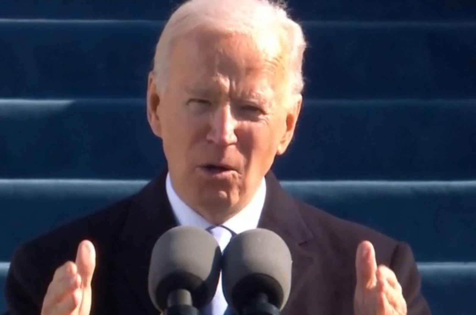 En ce qui concerne l'Afghanistan, l'administration Biden semble avoir calculé que le président ne souffrira pas politiquement de laisser derrière lui une guerre impossible à gagner.