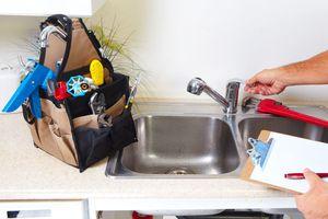 Misterbricolo connaît les astuces pour bien choisir son plombier ...