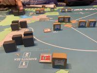 Les italiens sont cantonnés à l'Italie ..sisi ! S'ils essayent de traverser Gibraltar ils essuient un tir nourri et risquent fort d'y laisser leur flotte donc...vive Mare Nostrum. Les Allemands prennent la baltique