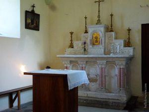 Quelques détails de l'extérieur et de l'intérieur de l'église