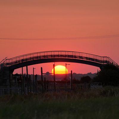 soleil qui dormait sous un pont