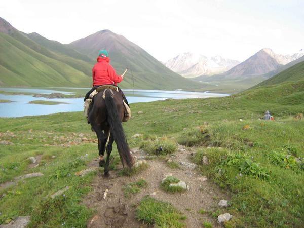 Nous sommes partis le 26 juillet, pour trois jours, a cheval au lac de Kol Ukok (3000 m d'altitude).