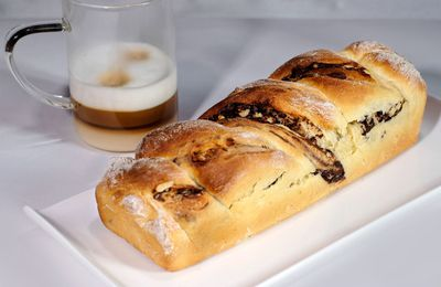 Brioche torsadée au chocolat et aux noix