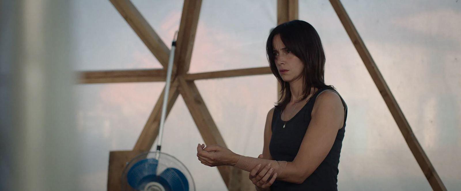 La nuée (BANDE-ANNONCE) avec Suliane Brahim, Nathalie Boyer, Sofian Khammes - Le 4 novembre 2020 au cinéma