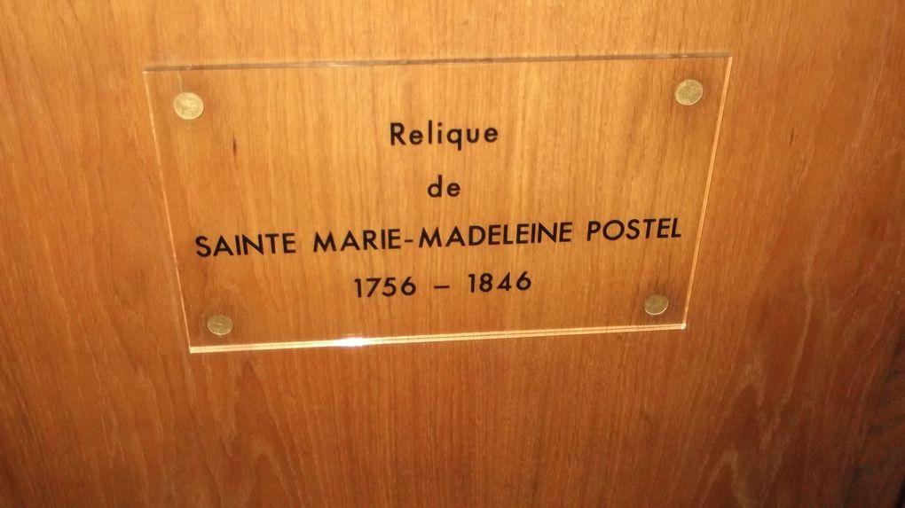 Les saintes reliques de Marie Madeleine sont exposé dans l'église !