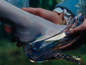 CENDRILLON de Kenneth Branagh ou l'histoire d'un fétichiste des pieds [résumé & critique]