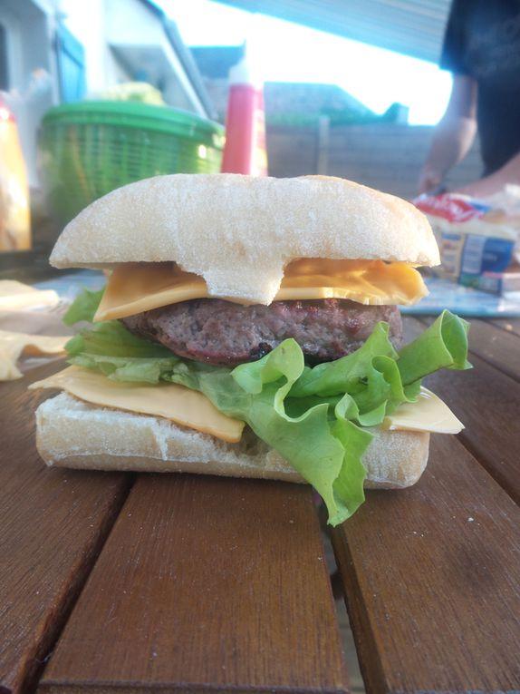 Le Cheeseburger, Le Cheese-bacon.