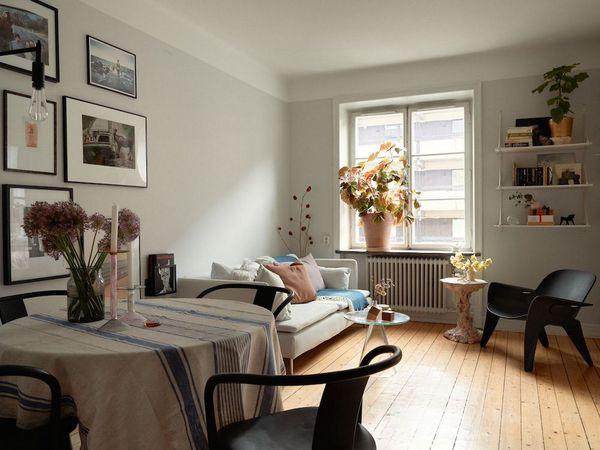 Du rose dans un appartement scandinave