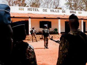 Sangaris : Visite des autorités civiles et militaires à Bria