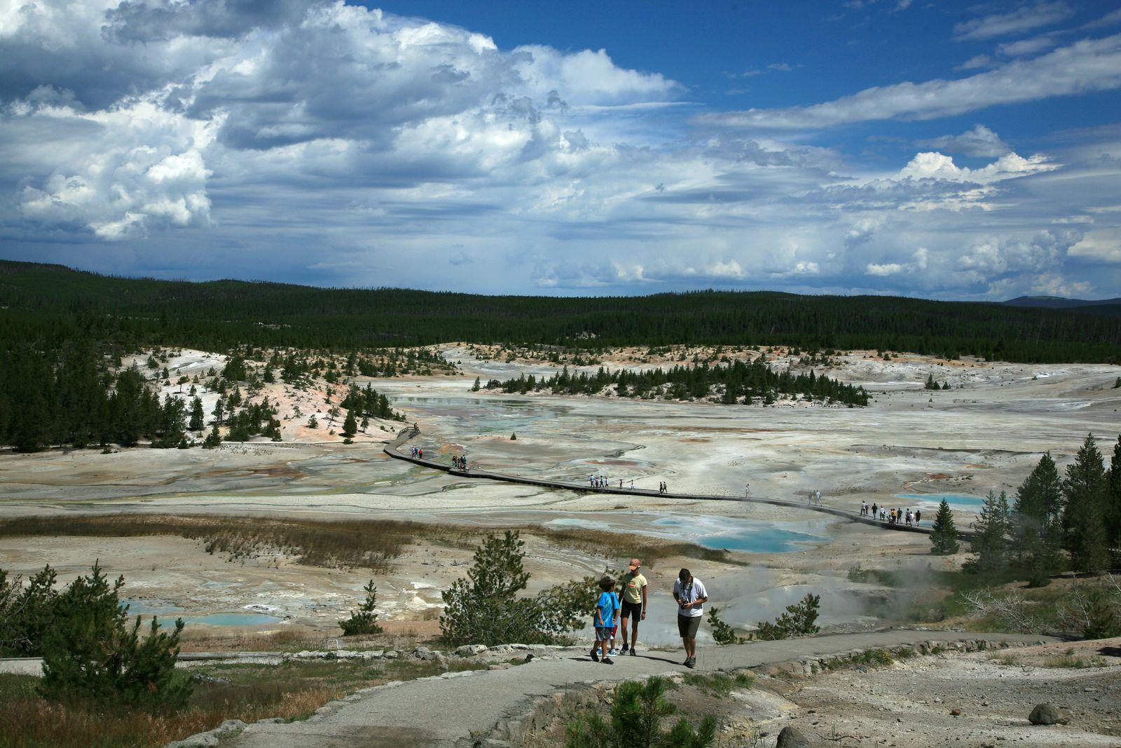 Yellowstone - Norris geyser basin - photo archives © Bernard Duyck 2009
