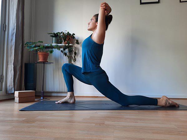 2_ Anjaneyasana 2  fente basse yoga bernieshoot