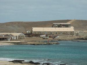 Les salines de Santa Maria. La forte teneur en sel de l'eau permet de flotter.