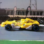 OPEN WHEEL RACER HOT WHEELS 1/64 - car-collector.net