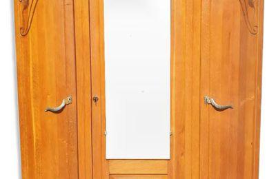 Armoire Art Déco lignes courbes - 180 euros