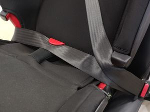 Placement de la ceinture sur le Britax Advansafix IV