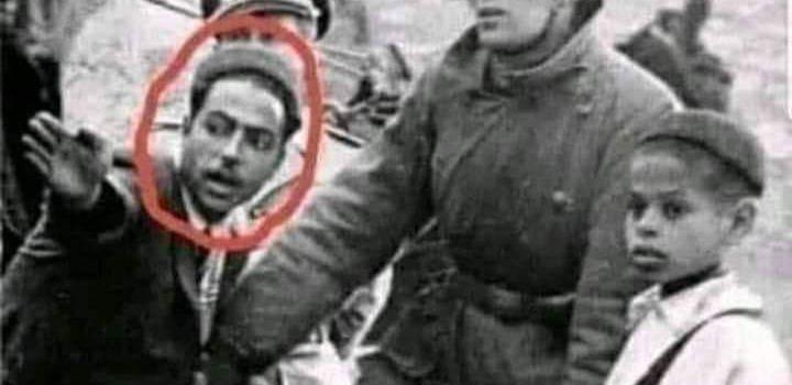 تونسي يرشد جنديا ألمانيا يسأل عن الطريق