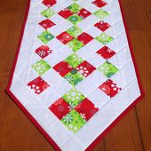 Easy Christmas Table Runner |Sew Today, Clean Tomorrow