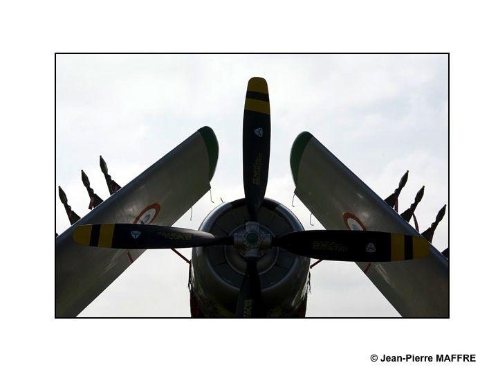 Il ne faut pas hésiter de s'approcher des avions pour photographier des détails.