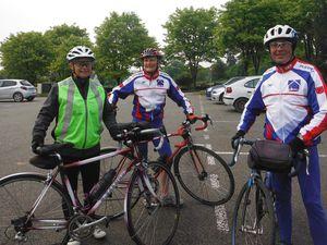 Le groupe de 8 heures (Photo de Marie-France. Merci MF) ; le trio de 8h30.