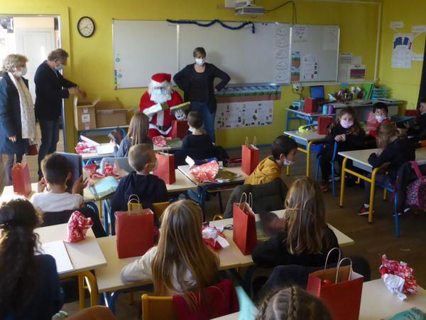 Le Père Noël a trouvé le chemin de l'école