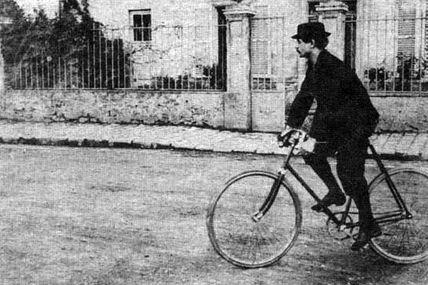 à bicyclette vers 1900...