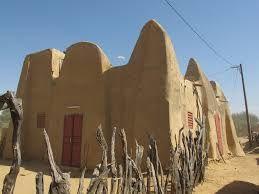 Mausolée d'Omar Tall dans le village d'Alwar et la mosquée d'Alwar