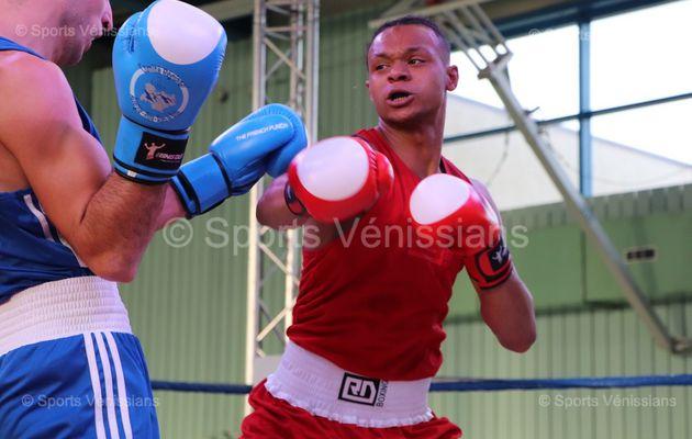 Kevin Tchuenteu (Espace Ecole Sport Boxe de Vénissieux) champion régional 75kg