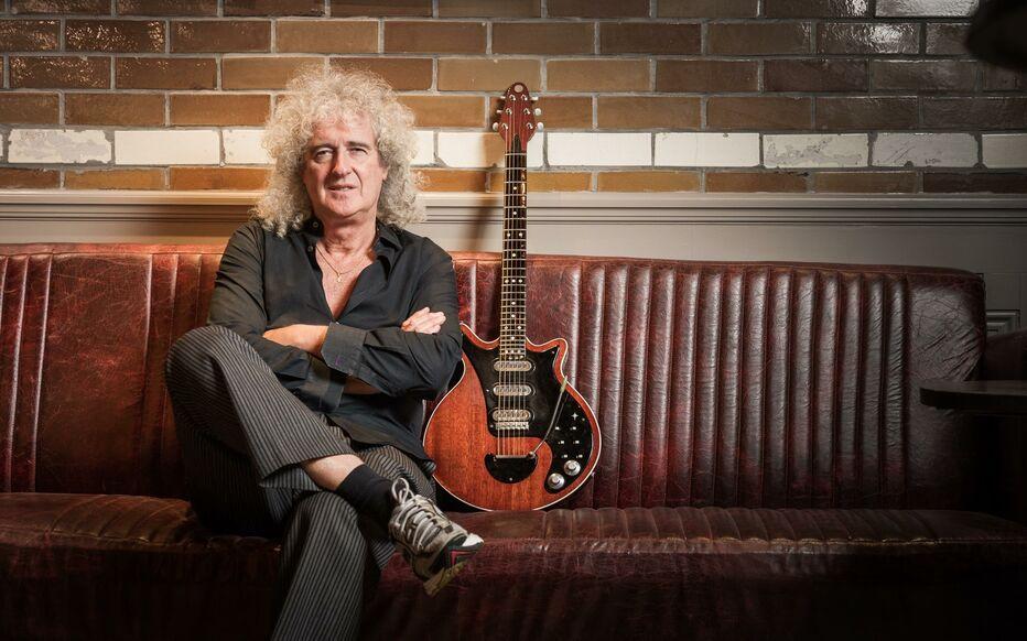 Dans une récente interview accordée à BBC Radio, le guitariste de Queen, Brian May, a révélé ses premières expériences en tant que musicien, se rappelant comment il a construit sa guitare Red Special avec son père, tout en parlant de son idole Rory Gallagher, et plus encore.
