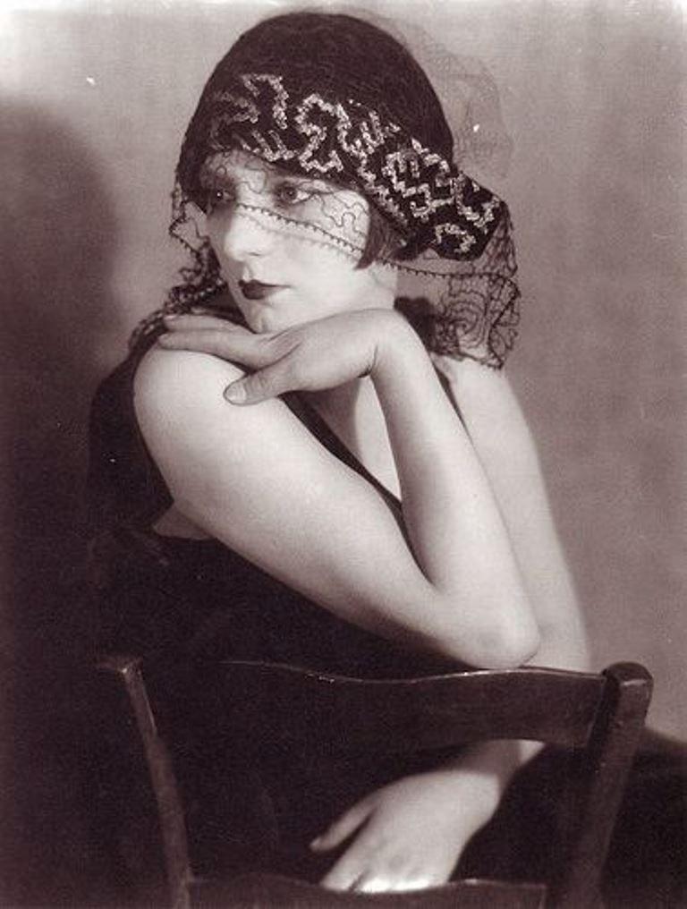 Man Ray - Kiki de Montparnasse, 1922
