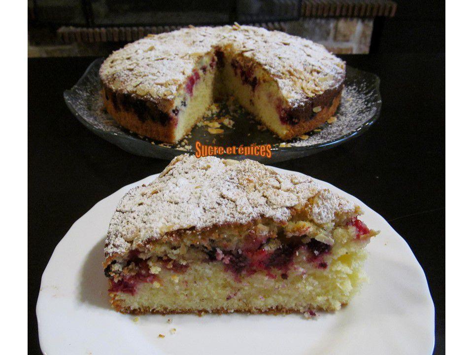 Gâteau bi-couche aux fruits rouges et amandes - Recette en vidéo
