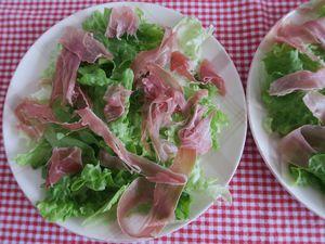 Salade au Serrano, tomates roses et burrata di bufflala