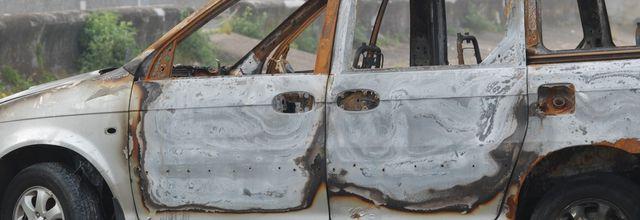 Brûler une voiture est -elle une démarche artistique ?