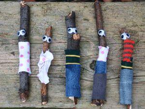 Source : http://www.redtedart.com/2011/08/18/quick-kids-craft-stick-men/