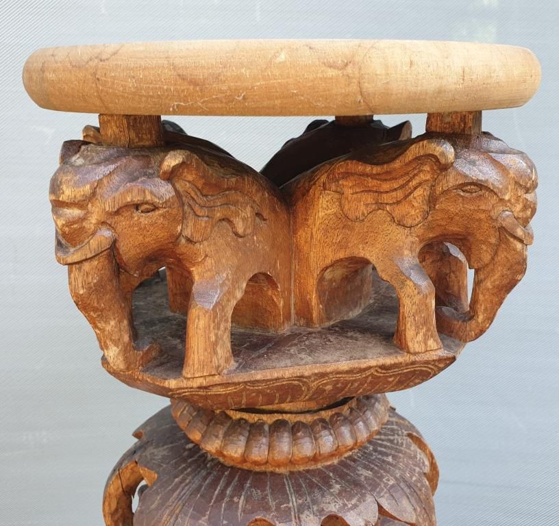Colonne XIXe, Indochine, dragon, chimères et éléphants - VENDU
