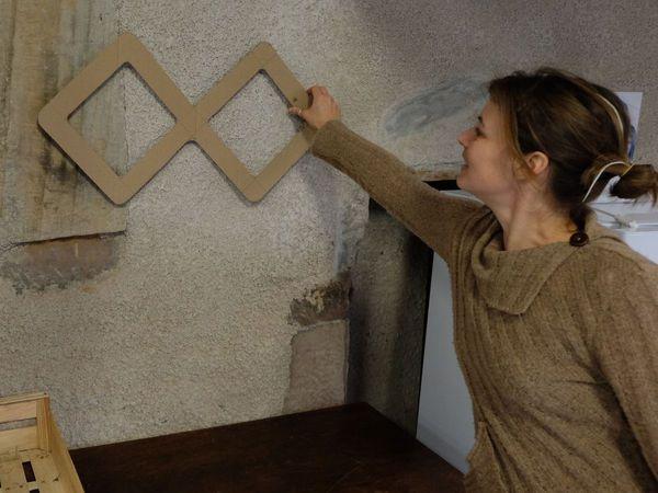 Fabrication de meubles en carton avec Aurélie