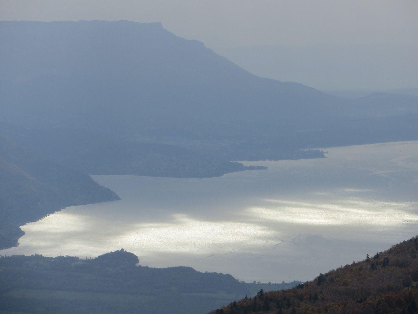 Zoom sur le lac du Bourget