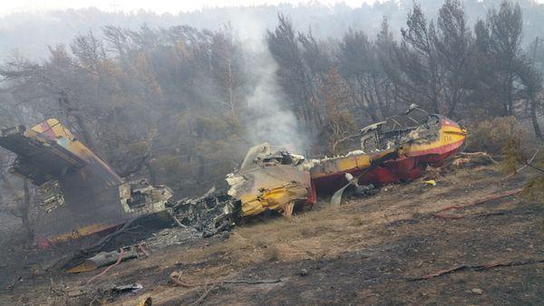 © HAF - L'épave du Canadair CL-215 qui s'est écrasé à la suite d'un feu moteur.