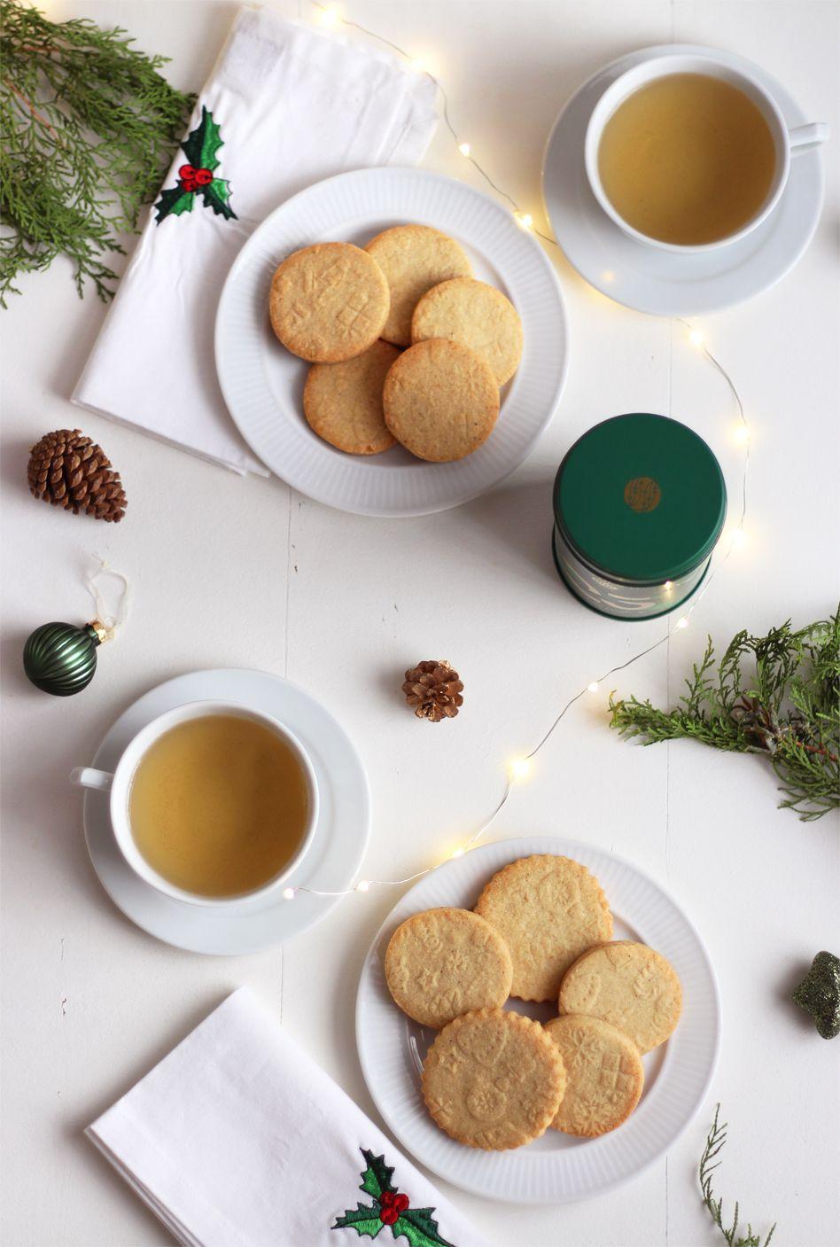 Biscuits aux épices imprimés décors de noël