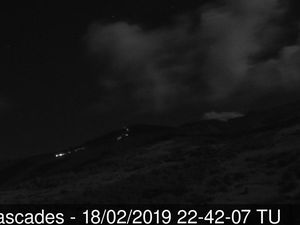 Piton de La Fournaise - les coulées vues par la webcam Piton Cascades vers 15h39 TU, et après l'arrêt officiel de l'éruption - un clic pour agrandir - webcams OVPF