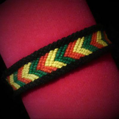 bracelet brésilien motif chevron avec bordure